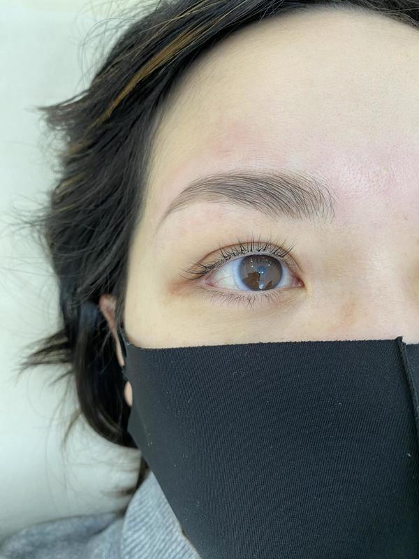 マスクから出る目元のお手入れハリウッドブロウリフトサムネイル